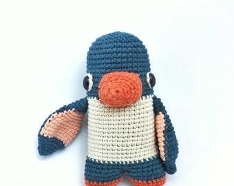 Lou the penguin - crochet pattern/amigurumi