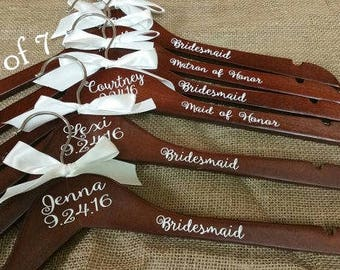 Personalized Wood Hanger for Bride and Bridal Party Set of 7/Wood Bridal Hanger/Wedding Hanger/Bridesmaid Hanger/Wedding Party Hanger