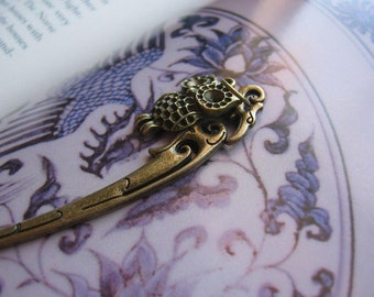 Owl Bookmark - Antiqued Bronze Chinese Hairpin Owl Charm Bookmark