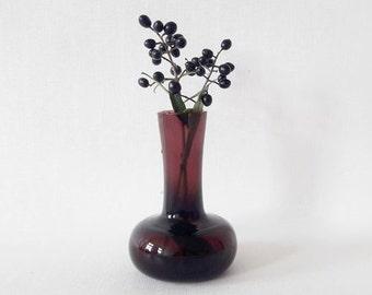 Mid Century Burgundy Art Glass Single Flower Vase