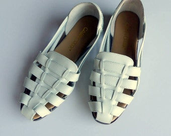 Vintage Leather Huaraches Shoes  / Leather Sandals / Woven Flats / White Sandals Flats Open Weave / Sz 8.5 Euro 39 UK 6.5
