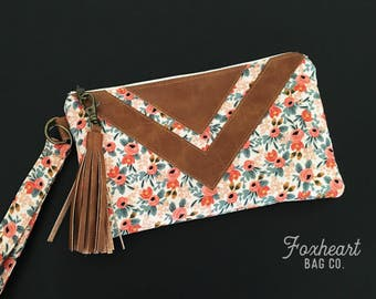 Floral Flower Wristlet - Zipper Pouch - Fabric Clutch - Bridesmaid Gift - Rustic Accessory - Cotton and Steel - Boho Chic