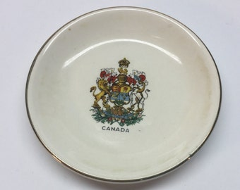 Wood and Sons England Canada Coat of Arms Ivory Pin Plate 3 inch