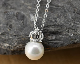 Crown Necklace, Crown Pendant, 925 Sterling Silver Necklace, Pearl Necklace Pendant, Bridesmaid Gift, Bridesmaid Necklace,