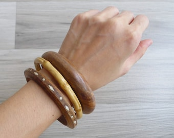 Vintage 80's Boho Bamboo & Carved Wood Shell Inlaid Bangles (Set of 3)