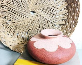 Native American Vase / Vintage Navajo Pottery Vase / Clay Terracotta Pottery / Southwestern Decor / Indian Art Pottery / Small Flower Vase