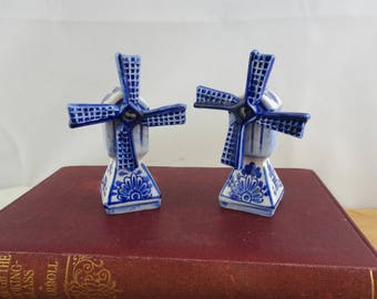 Vintage Ceramic Windmill Salt and Pepper Shakers, Blue & White Spinning Dutch Windmills, Cute Novelty Condiment Shaker Set