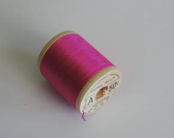Corticelli Pure Silk Hand Sewing Embroidery Floss Thread 100 Yd. Wooden Spool Shade 2260 Fuchsia/Hot Pink Color