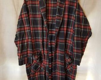 M Medium Unisex Vintage 80s Red blue plaid tartan Holiday Modest Warm Winter Comfortable Long Sleeve Front Loungewear Robe faded