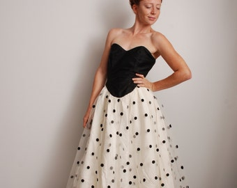 80s medium Flirtataions polka dot party dress gauze skirt black bodice prom formal holiday party outfit womens vintage clothing