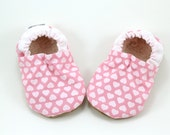 LAST PAIRS 18-24 mos // heart baby shoes valentines day girl shoes baby girl shoes heart booties pink valentines booties pink and white