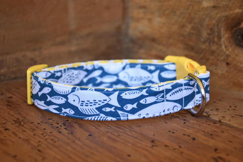 Fish dog collar blue white fish print for Fish dog collar