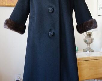 Vintage 1960s Coat w/ Mink Collar / Roos Atkins Curilow of California Forstmann / Mod Coat / Portrait Collar Fur Trim A-Line Shape / L
