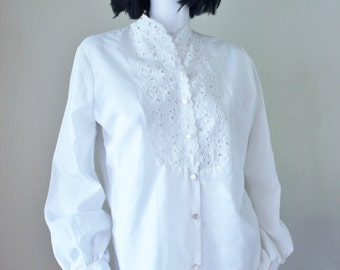 Vintage white blouse, eyelet lace,boho, long sleeve, 1960s, 1970s. Great condition