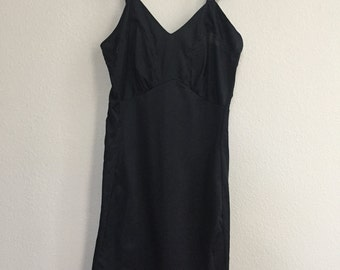 vintage black slip with scalloped detail