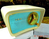 SO Jetsons Looking Retro Vintage Turquoise and White 1959 CBS Model T201 AM Tube Radio So Cute!