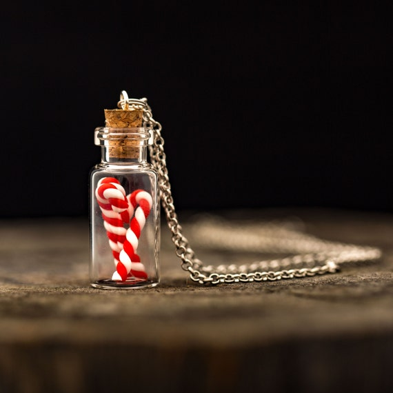 FREE SHIPPING - Christmas Candy Cane Necklace - Christmas Jewellery - Candy Cane Jewelry