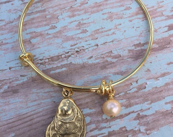 Oyster shell bracelet // pearl bracelet // Adjustable bangle bracelet // oyster shell charm