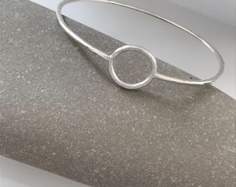 Handmade hammered silver bangle with inset circle Hammered bangle Silver hammered bangle Simple bangle Silver bracelet