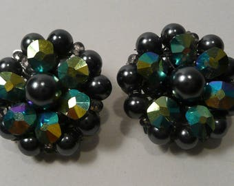 Vintage Mid Century Marvella Iridescent Aurora Borealis Black Glass And Faux Black Pearl Clip On Earrings