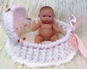 Bassinet for 5 inch berenguer doll or ashton drake heavenly handfuls