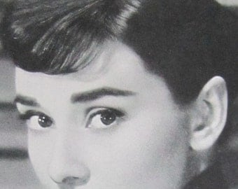 Breakfast At Tiffany's - 1950's Audrey Hepburn Hollywood Starlet Arcade Exhibit Card - Free Shipping