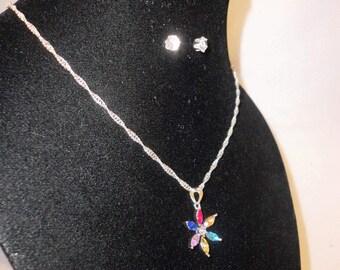 A Multi-Color Rhinestone Flower Pendant Necklace*****.