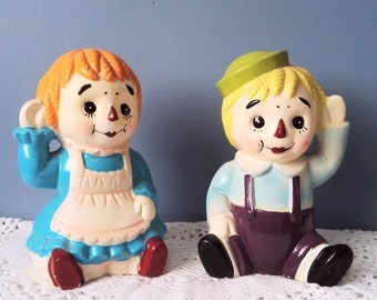 Raggedy Ann and Andy Chalkware Bank Set
