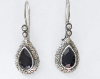 Sterling Silver And Faceted Onyx Teardrop Earrings With Hook Backs - Vintage