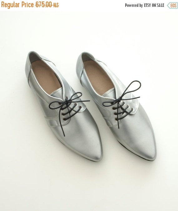 Silver shoes, Vegan shoes, women shoes, Silver flats, Handmade shoes, oxford flats, winter shoes, women shoes, winter flats, Vegan friendly