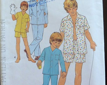 Vintage Sewing Pattern Simplicity 6427 - Boys Pajamas in Two Lengths - Size 6 & 8 (Chest 25-27)  UNCUT