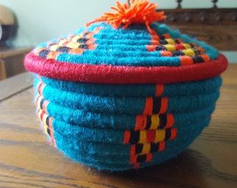 Fiber, lidded, basket/ bowl.