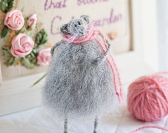 Stuffed Animal Art Toy Knitted Mouse Soft Sculpture Cute Rat Grey Gray Home Decoration Romantic Gift Handmade Wool Mouse Posable Figurine