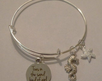 Toes in the Sand Kind of Girl ~ Adjustable Wire Bracelet w Seahorse and Starfish Charms ~ Adult or Child