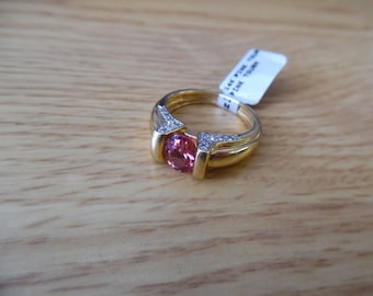 14k yellow gold with pink tourmaline diamond oval ring Size 6 1/2