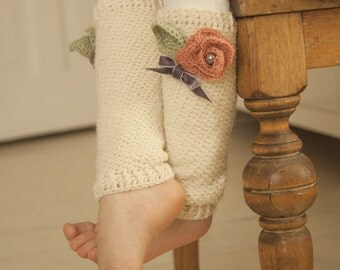 CROCHET  PATTERN leg warmers Amelia with flower and leaves (baby/toddler/child sizes)