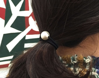 Small White Pearl Hair Tie (Set of 2)