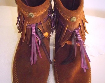 Vintage Alchemy - Size 10, Minnetonka Fringe Boots