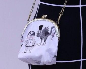 "small clipbag ""strange peoplez"""