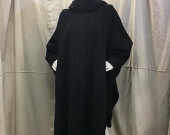 Vintage Wool Cloak Cape Charcoal Grey // Collared Batwing Poncho, Buttoned