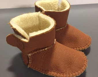 Brown leather ankle boots with soft white synthetic sheep inner for newborn/a