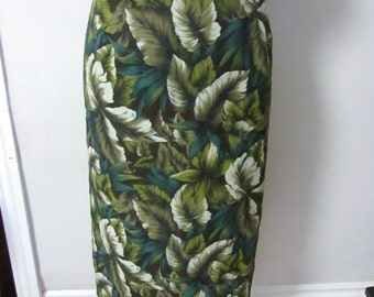 Vintage blue green palm/fern leaf pattered pencil skirt, split detail to back