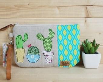Pochette portatrucco con applicazioni di cactus in free motion