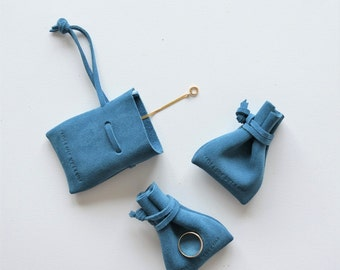 Jewelery Pouch - Petite Blue Suede Pouch / jewellery pouch jewelery purse jewelery holder cufflinks holder spinning top storage jewelery bag