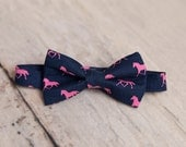 Navy Blue Horses Derby Bow Tie, Pre-tied Bow Tie, Derby Horses, Derby Style, Bowties, Rodeo, Mens Bow Tie, Horse Racing, Pink Horses