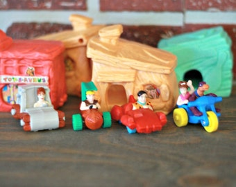 Mcdonald Flintstones figurine sets, Fred Flintstones toys, Flintstones car, Hanna-Barbera toys, Mcdonald toy, 90s movie, happy meal, 90s kid