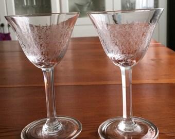 2 liqueur Glasses vintage
