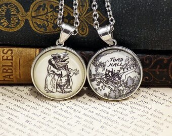 Double-Sided Pendant - Wind in the Willows - Toad / Toad Hall