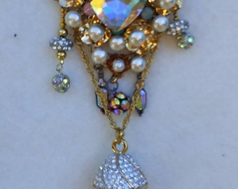 Fabulous Sparkly Egg brooch watch, nurse lapel watch