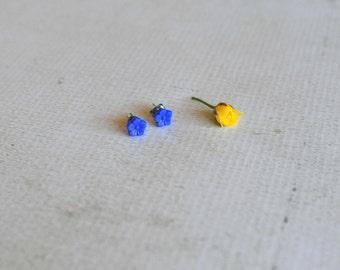 Vintage Blue Flower Earrings- Tiny Carved Flower Studs- Titanium Earring Studs- Blue Vintage Studs- Titanium Earrings- Hypoallergenic Studs